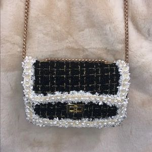 Lace and pearl winter crossbody purse